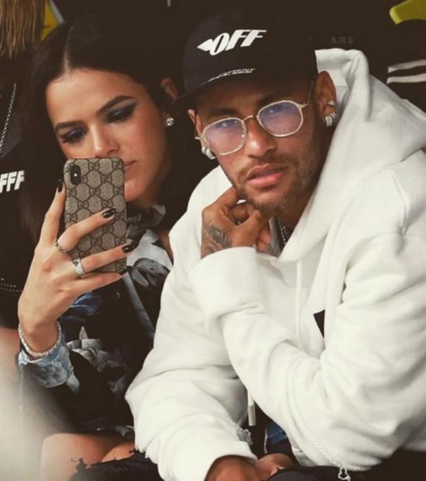 Drops – Bruna Marquezine and Neymar Jr.
