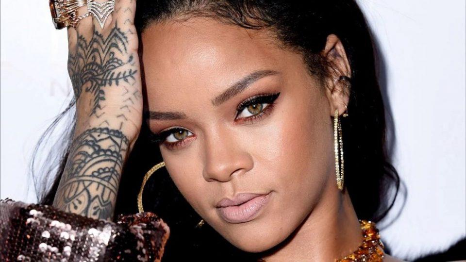 Rihanna revela como conciliar carreira e vida