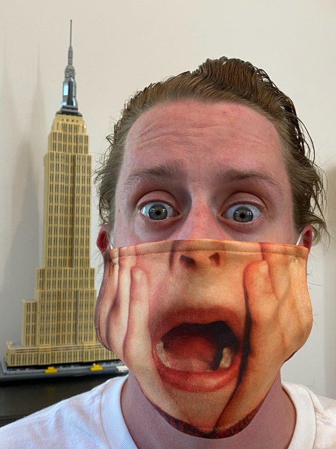 Macaulay Culkin, de Esqueceram de Mim, deixa fãs malucos