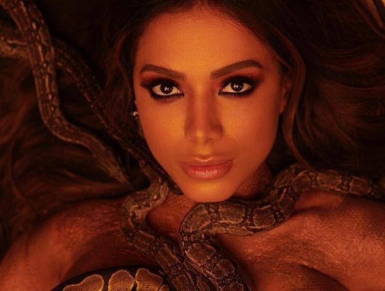 Youtuber finge ser Anitta e causa tumulto!!
