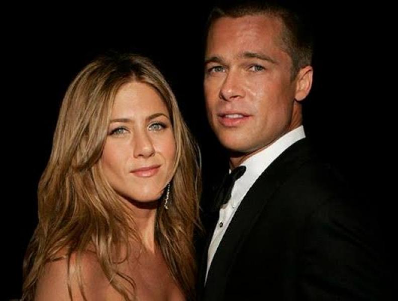 Brad Pitt reatou namoro com a ex