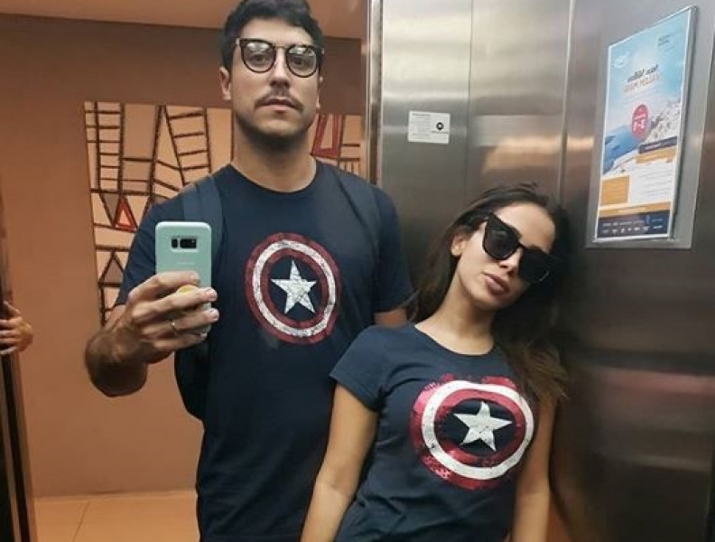 Anitta posa com o marido após boatos de separação