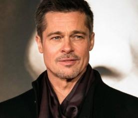 Brad Pitt surpreende ao ir a festa de ex