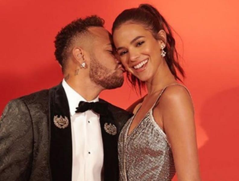 Neymar revela que é igual a todos os namorados