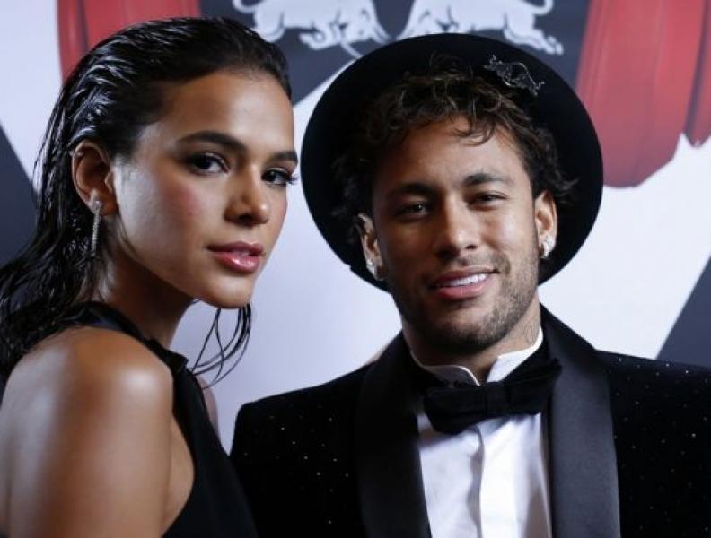 Neymar e Marquezine estão apaixonados em Paris