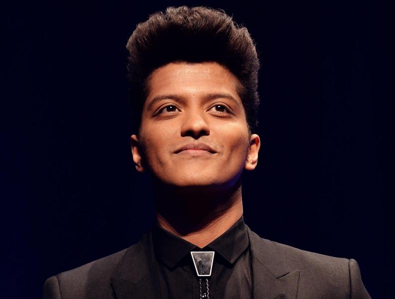 Bruno Mars se destaca com boa ação!!!
