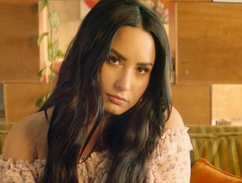 Amiga publica fotos de Demi Lovato