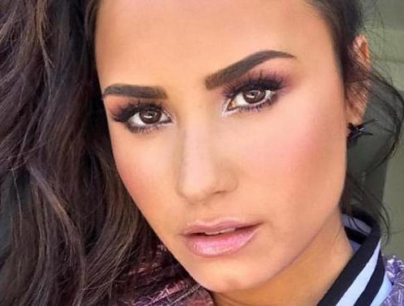 Demi Lovato abadona Twitter após bullying