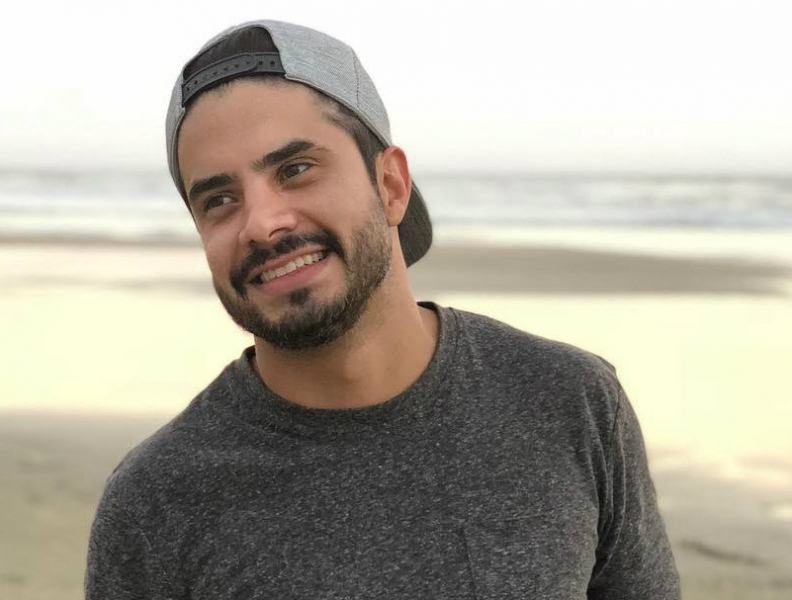 Após beijar Anitta, Leandro Martins bomba no Insta