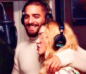 Madonna posta foto em estúdio com cantor