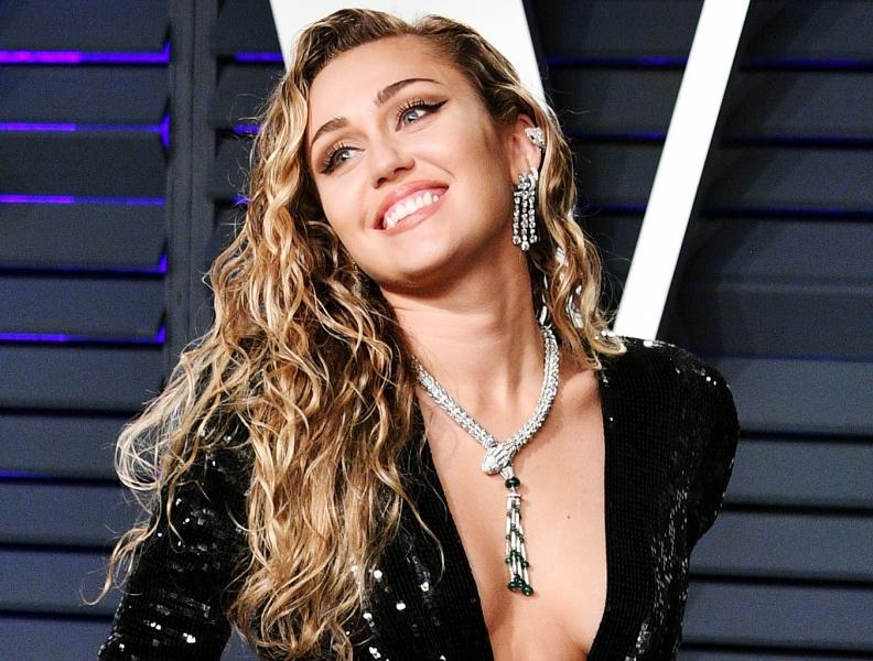 Miley Cyrus provoca Nicki Minaj em nova música