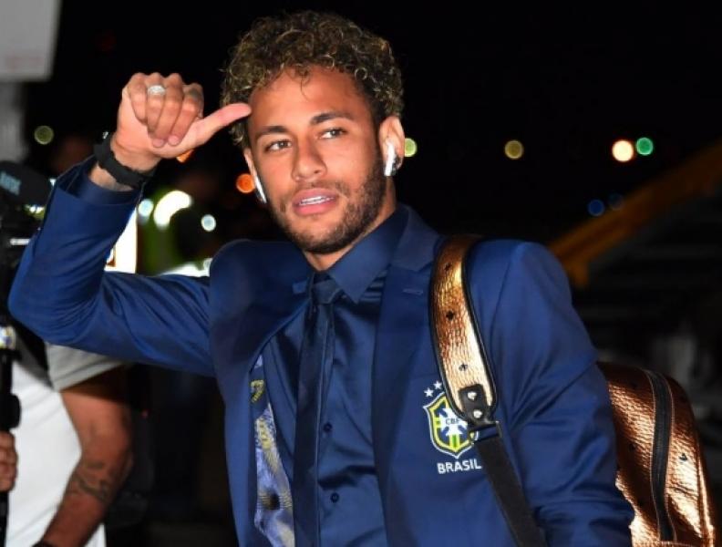 Neymar reage em foto de atriz e brinca