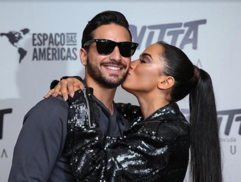 Anitta ganha declaração de Maluma
