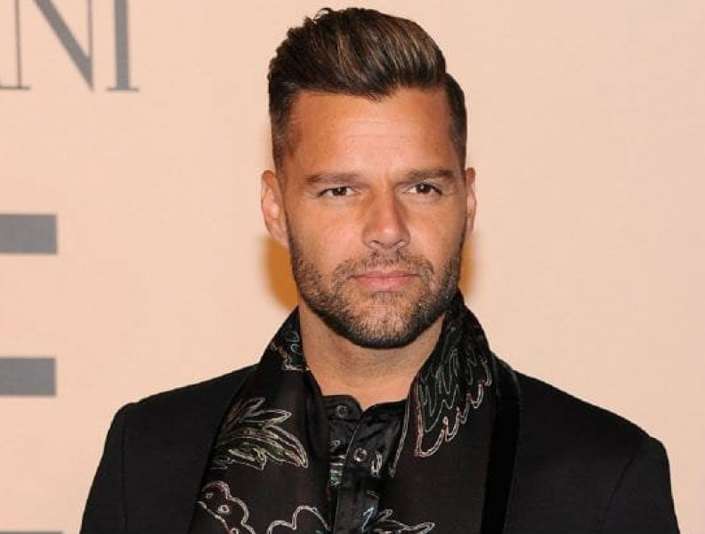 Ricky Martin anuncia chegada de filha!!