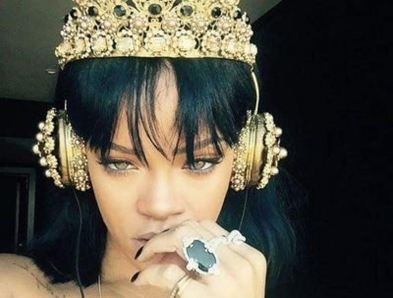 Rihanna atinge marca histórica na Billboard