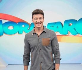Rodrigo Faro faz pegadinha e web critica