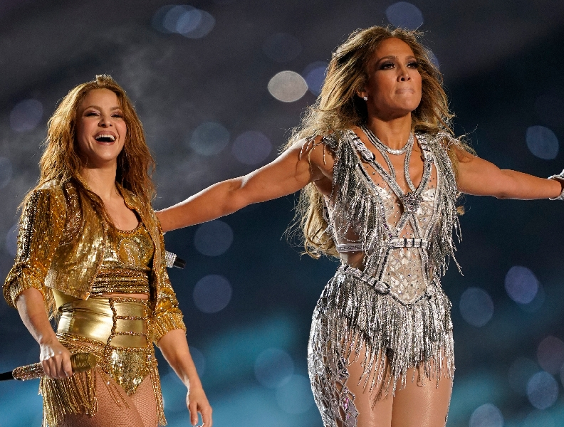 Jennifer Lopez faz maquiagem de 10 horas
