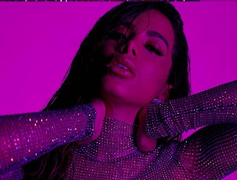 Anitta lança EP SOLO com sucessos
