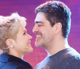 Gravidez? Xuxa promete novidade com Junno